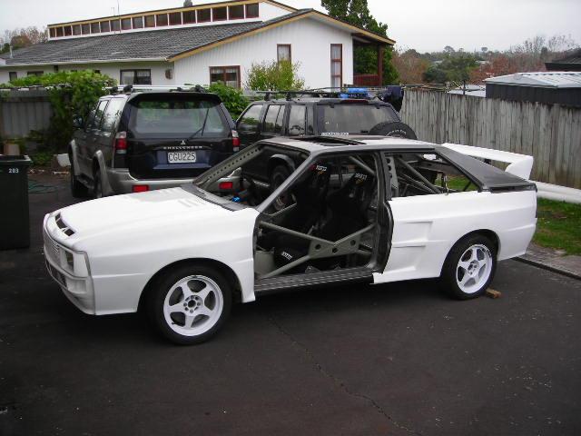 Dans Audi side on
